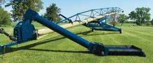 Harvest International Portable Augers - Harvest International Swing-Away Augers